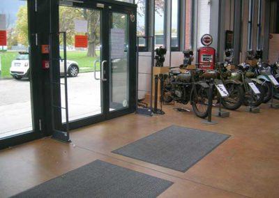 Warensicherung für Motorrad-Händler